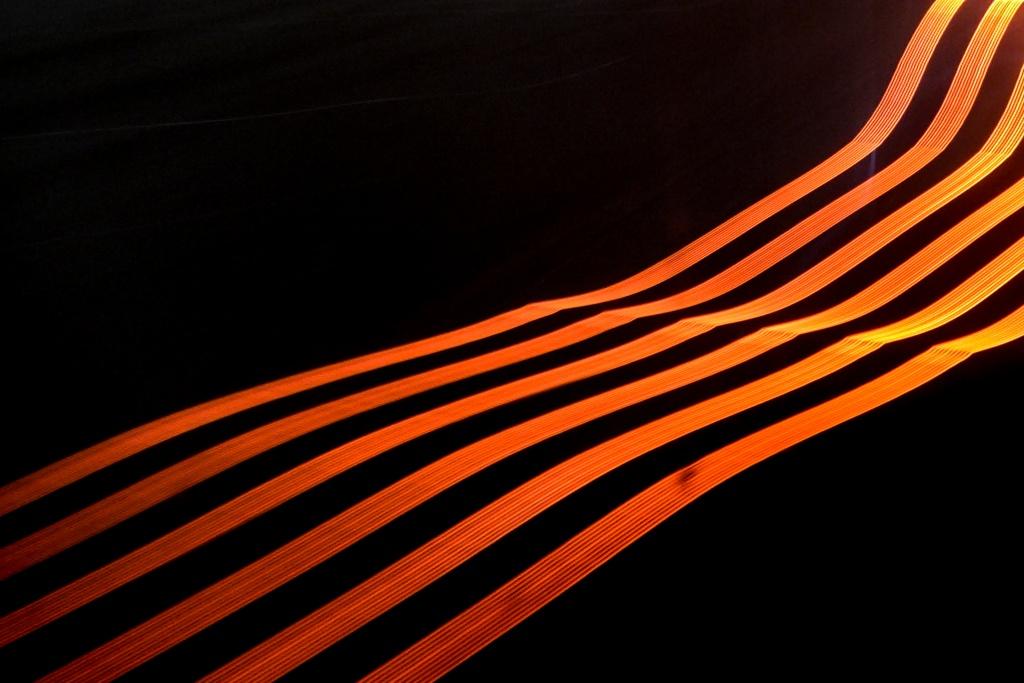 rot schwarz aufwärts leuchtend Streifen